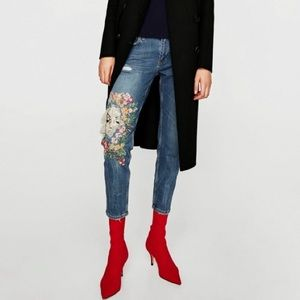 Zara Slim Boyfriend Moonflower Embroidered Jeans